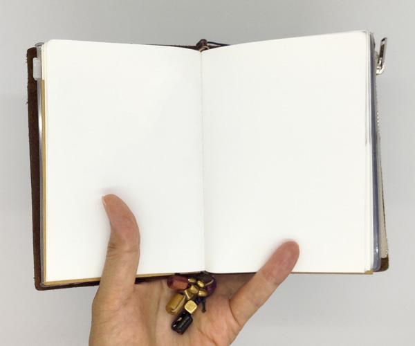 003軽量紙のノート